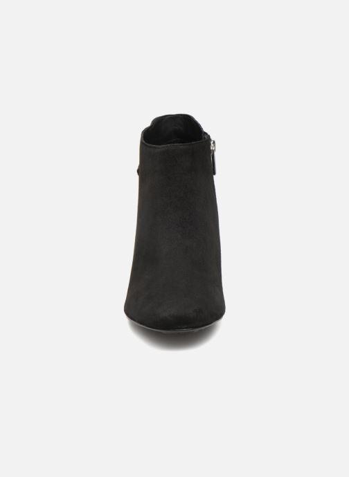 Bottines et boots Tommy Hilfiger ELEVATED SUEDE HEELED BOOTIE Noir vue portées chaussures