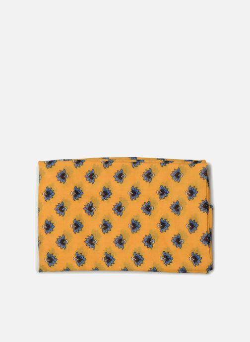 Halsduk och scarf Esprit Indian Flower Scarf Gul bild av skorna på