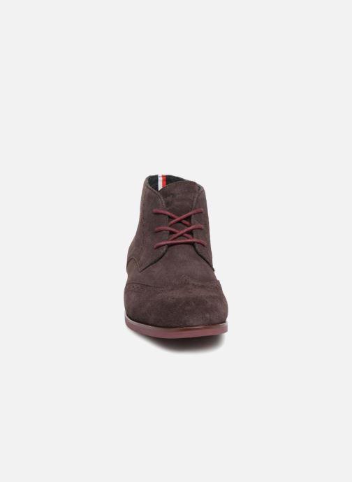 Bottines et boots Tommy Hilfiger DRESSY CASUAL SUEDE BOOT Bordeaux vue portées chaussures