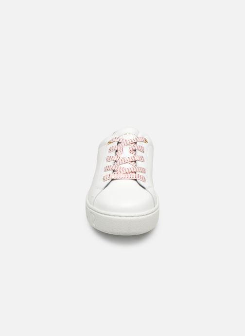 Baskets Tommy Hilfiger TOMMY FASHION SNEAKER Blanc vue portées chaussures