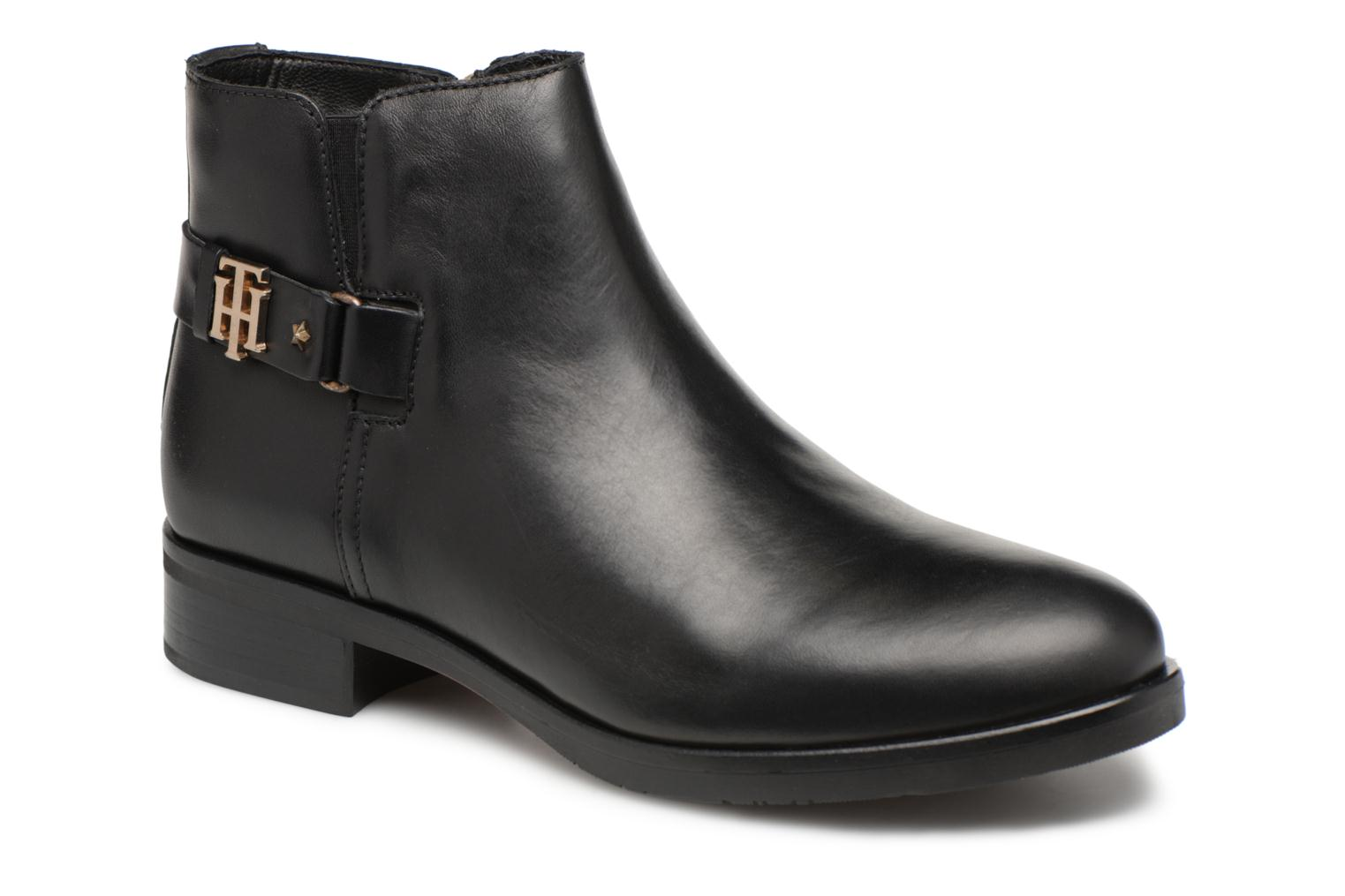 Bottines et boots Tommy Hilfiger TH BUCKLE LEATHER BOOTIE Noir vue détail/paire