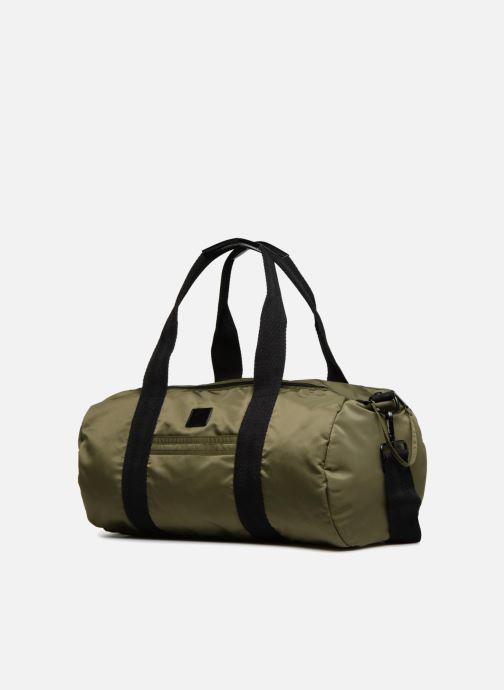 Sporttaschen Fred Perry Sports Nylon Barrel grün schuhe getragen