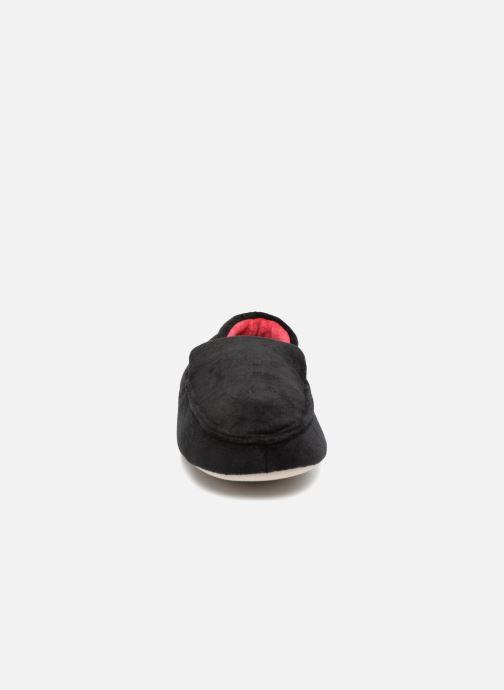 Chaussons Isotoner Mocassin velours H Noir vue portées chaussures