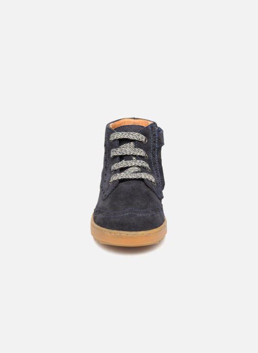 Baskets Pom d Api Wouf Brogue Bleu vue portées chaussures