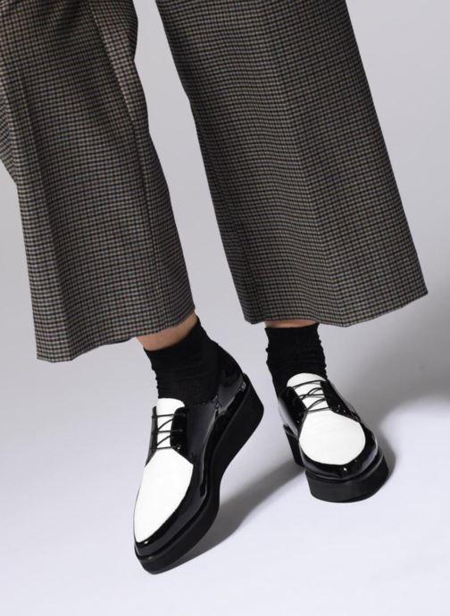 Schnürschuhe Jonak Dumbo schwarz ansicht von unten / tasche getragen