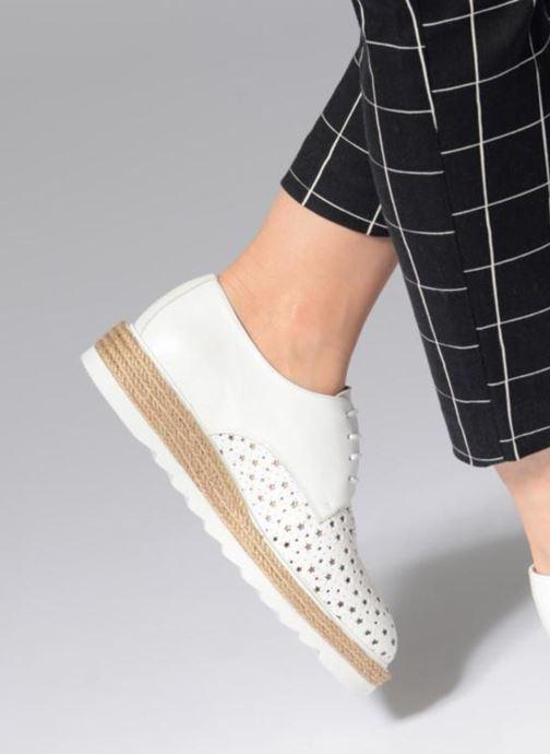 Chaussures à lacets Apologie 70156 Blanc vue bas / vue portée sac