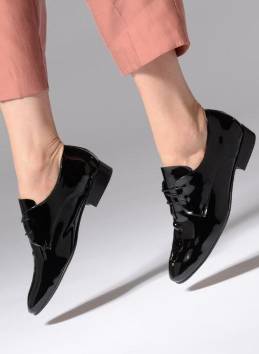 Lace-up shoes Apologie BAILARINA BED Black view from underneath / model view