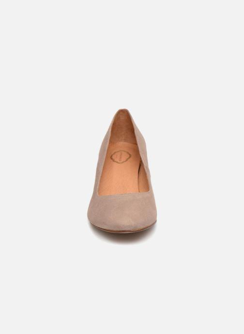 Escarpins Apologie SALON VENUSA Marron vue portées chaussures