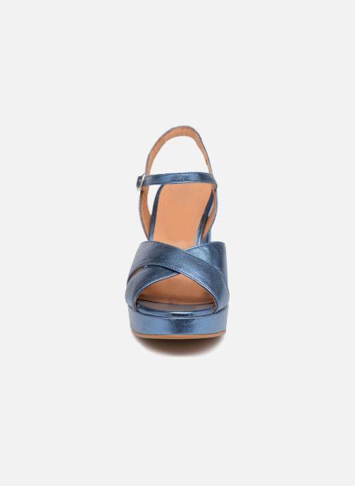 Sandales et nu-pieds Apologie CRUCE Bleu vue portées chaussures