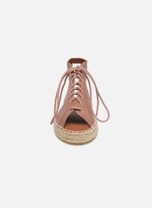 Espadrilles Pieces DEMMI ESPERDRILLE LACE UP Rose vue portées chaussures