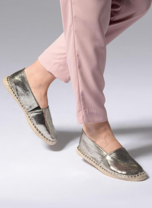 Espadrilles Pieces HAISHA METALLIC ESPERDRILLE Silver view from underneath / model view
