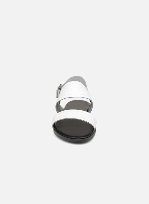 Sandalias Pieces PENELOPE LEATHER SANDAL Blanco vista del modelo