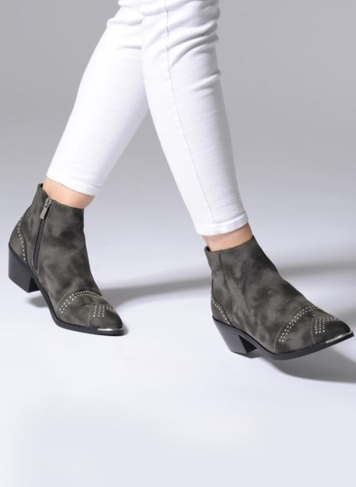 Ankle boots Pieces PENNIE BOOT RAVEN Grey view from underneath / model view