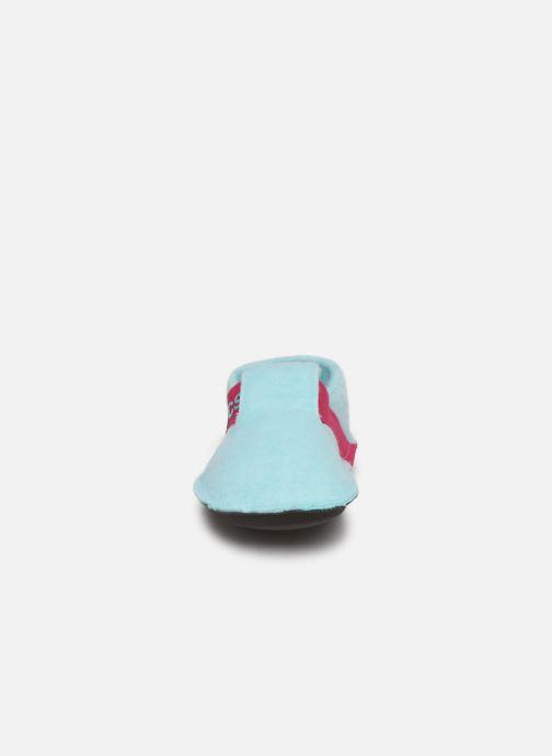 Pantuflas Crocs Classic Slipper K Azul vista del modelo