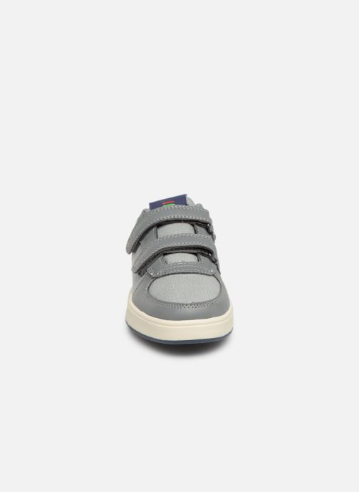Baskets Kickers Gready Low Cdt Gris vue portées chaussures