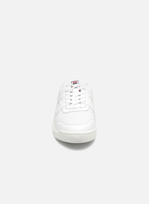 Baskets FILA Cedar Low Blanc vue portées chaussures