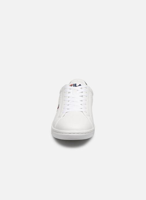 Baskets FILA Crosscourt 2 F low Blanc vue portées chaussures