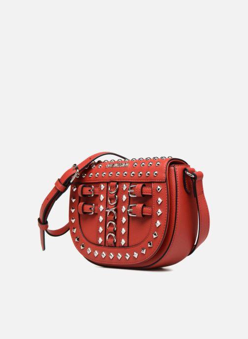 Bolsos de mano Love Moschino Belt Studs Crossbody Rojo vista del modelo