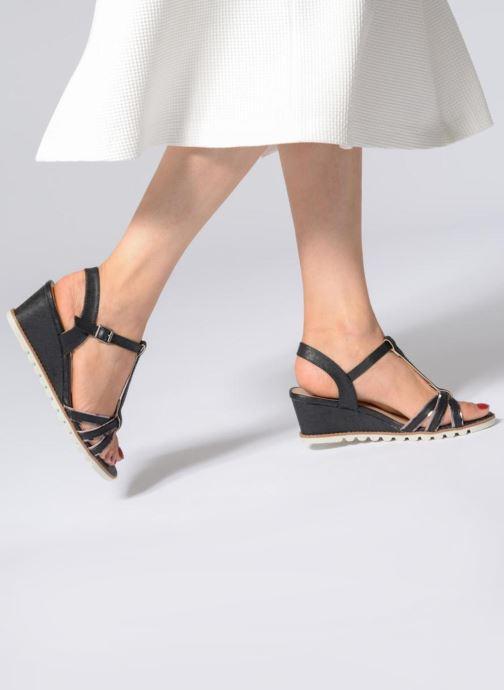 Sandales et nu-pieds Initiale Paris ROMANE Noir vue bas / vue portée sac