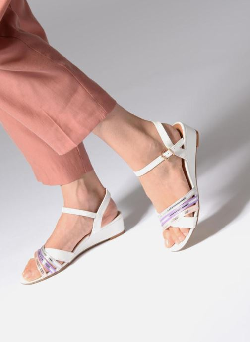 Sandalen Initiale Paris TILIZ weiß ansicht von unten / tasche getragen