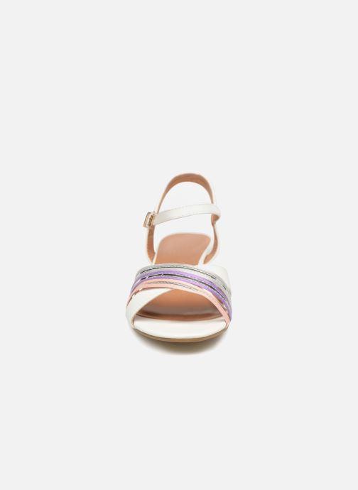 Sandalen Initiale Paris TILIZ weiß schuhe getragen