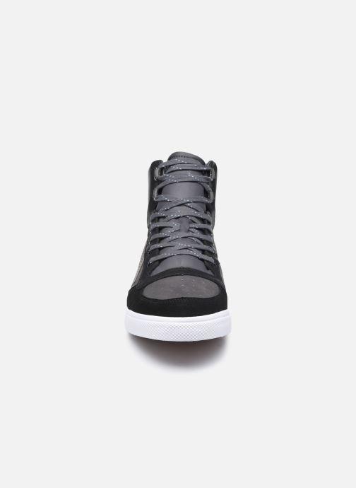 Sneakers Hummel Stadil Winter Nero modello indossato