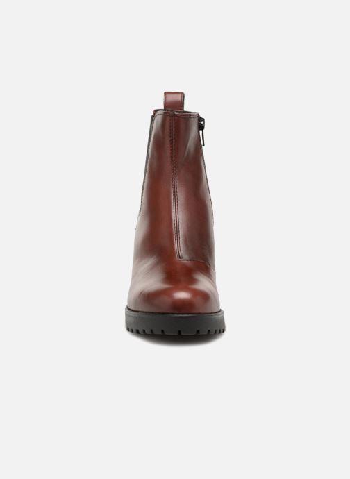 Bottines et boots Vagabond Shoemakers Grace 4228-101 Bordeaux vue portées chaussures