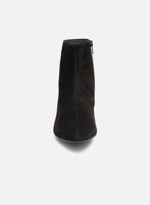 Stivaletti e tronchetti Vagabond Shoemakers JOYCE Nero modello indossato