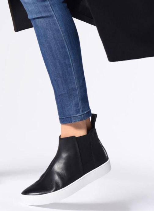 Sneaker Vagabond Shoemakers ZOE schwarz ansicht von unten / tasche getragen