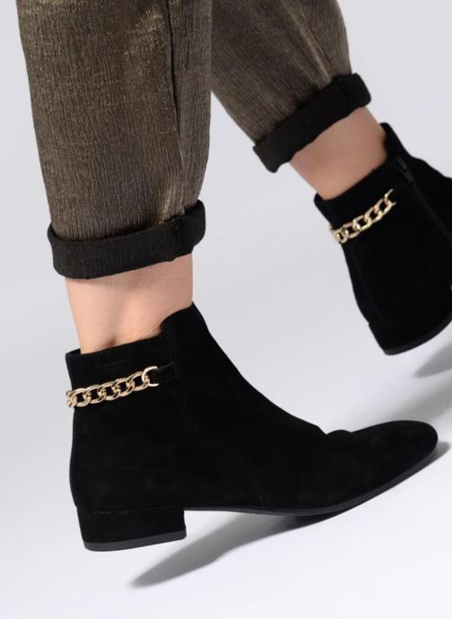 Ankle boots Vagabond Shoemakers SUZAN Black view from underneath / model view