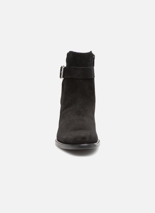 Stivaletti e tronchetti Vagabond Shoemakers MEJA Nero modello indossato