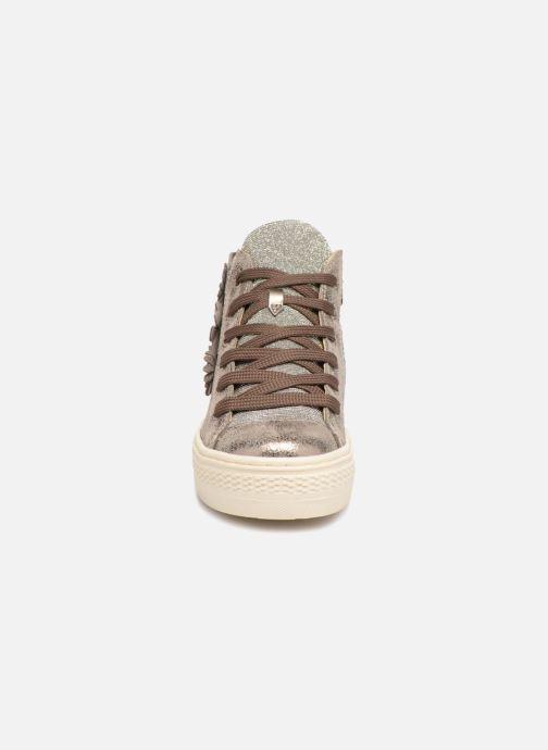 Baskets Primigi Florenza Or et bronze vue portées chaussures