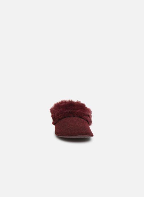 Pantofole Crocs Classic Luxe Slipper Bordò modello indossato