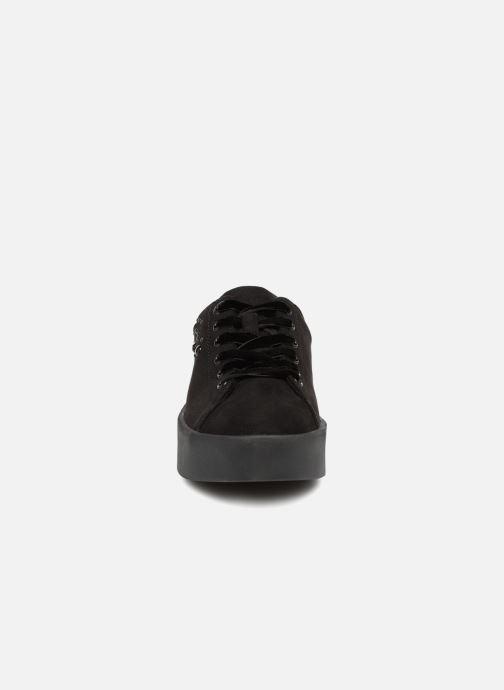 Sneakers S.Oliver CASSIE Sort se skoene på