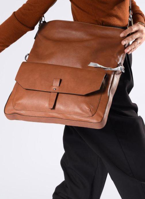 Handtaschen Esprit Iza Shoulder Bag braun ansicht von unten / tasche getragen