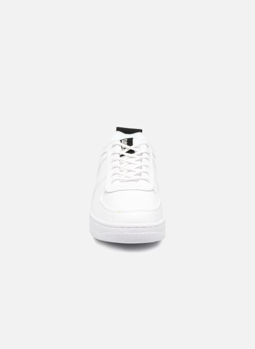 Baskets Kwots MASTER OO Blanc vue portées chaussures