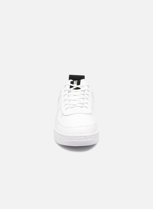 Baskets Kwots MASTER SU Blanc vue portées chaussures