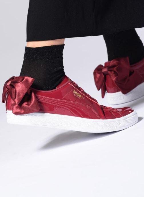 Sneaker Puma Basket Bow Patent rot ansicht von unten / tasche getragen