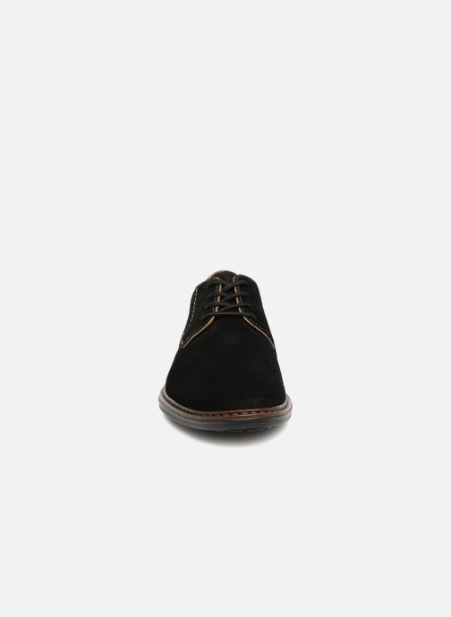 Scarpe con lacci Rieker Anil 17622 Nero modello indossato
