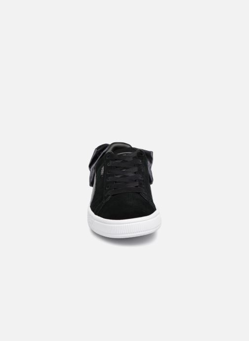 Sneakers Puma Basket Bow Satin Nero modello indossato