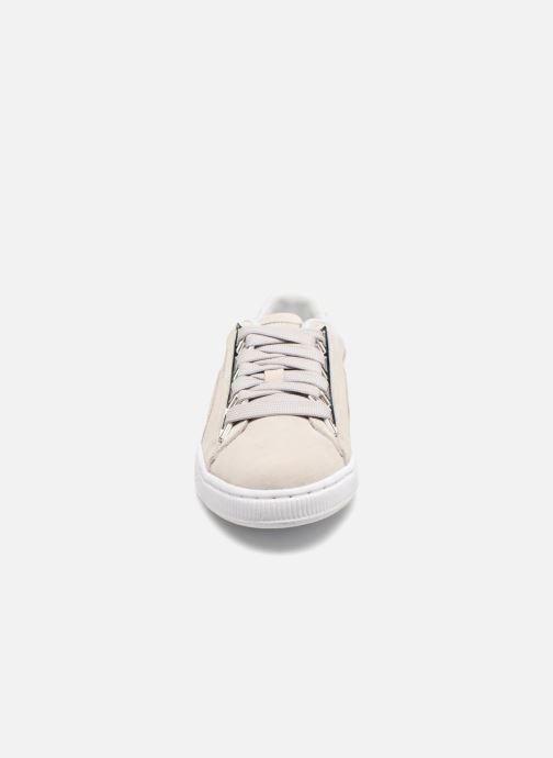 Baskets Puma Suede Jewel Metallic Gris vue portées chaussures