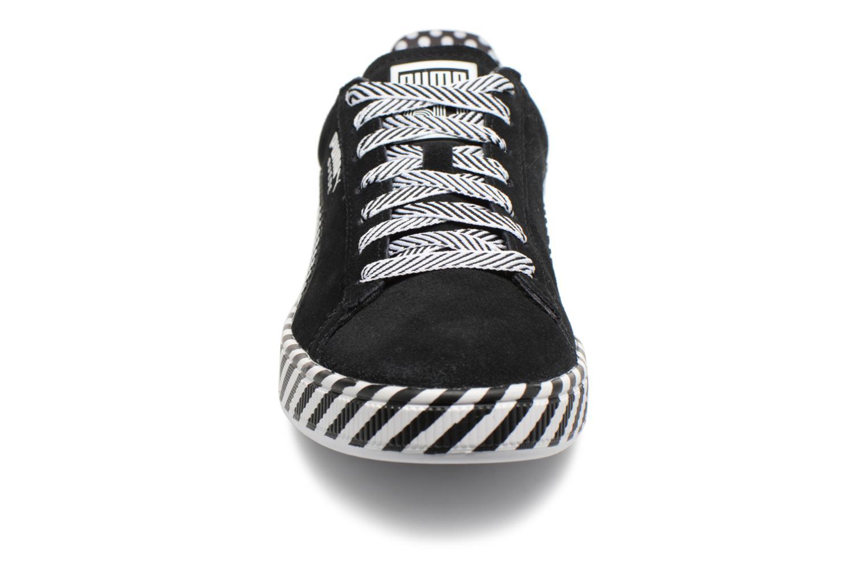 Baskets Puma Suede Classic Pop Culture Noir vue portées chaussures