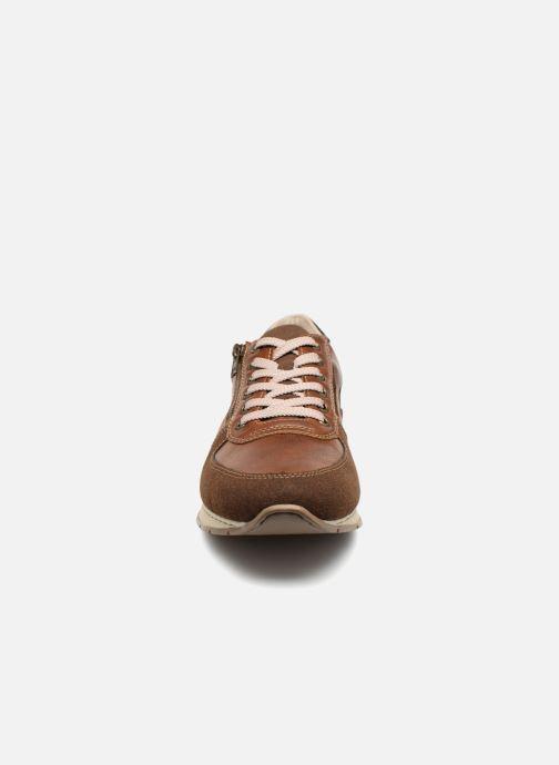 Sneakers Rieker Arslan 19401 Marrone modello indossato