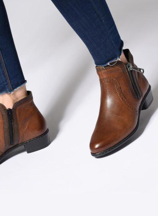 Bottines et boots Rieker Emilia Y0727 Marron vue bas / vue portée sac