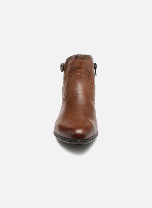 Bottines et boots Rieker Emilia Y0727 Marron vue portées chaussures