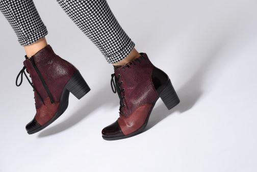 Bottines et boots Rieker Enora Y8938 Bordeaux vue bas / vue portée sac