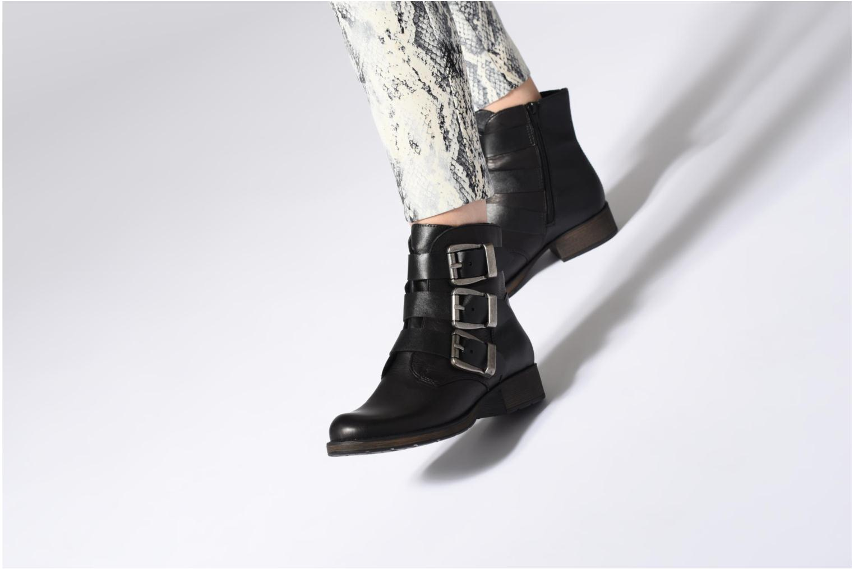 Bottines et boots Rieker Giulia Z9574 Noir vue bas / vue portée sac