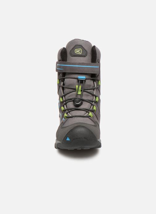 Chaussures de sport Keen Levo Winter Gris vue portées chaussures