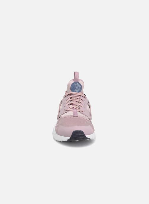 Baskets Nike Air Huarache Run Ultra (GS) Rose vue portées chaussures
