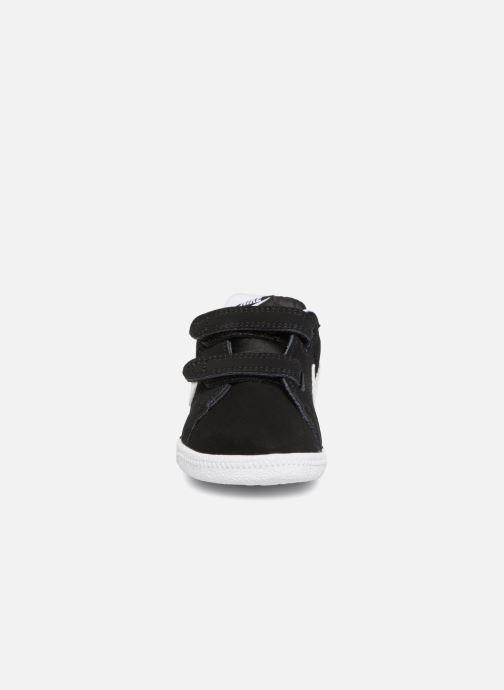 Baskets Nike Court Royale (TD) Noir vue portées chaussures